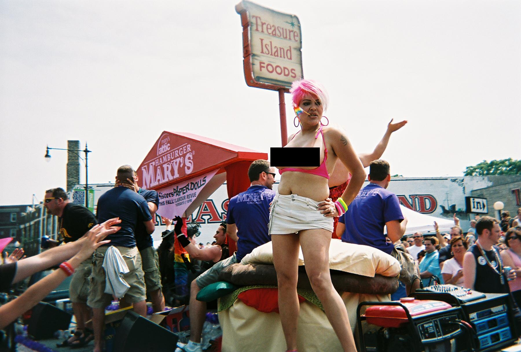 topless_transsexual_chicago_shame_parade_07.JPG