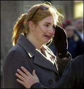 pseudo_victim_sarah_loy_in_tears.jpg