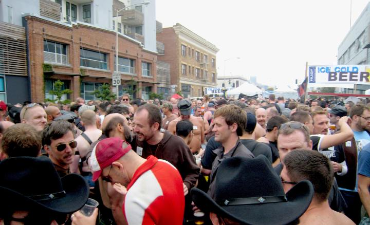 zombietime_crowd_shot_uya_08.JPG