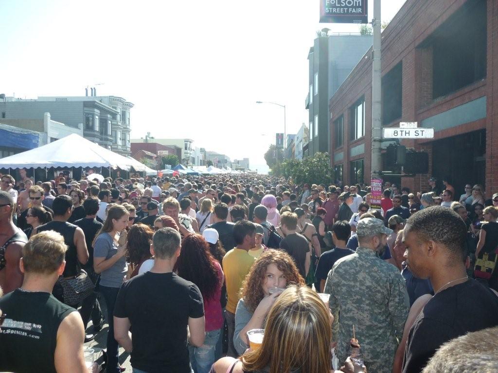 fols-08_crowd.jpg