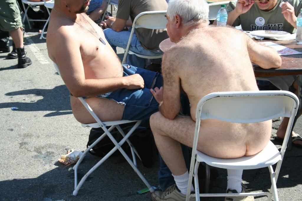 fols-08_lunchtime_at_folsom.jpg