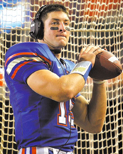 tim-tebow-warming-up.jpg