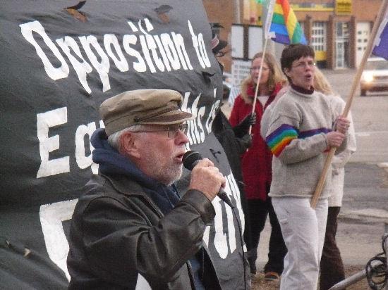 Gay Liberation Network's Bob Schwartz supports the University of Illinois' ...