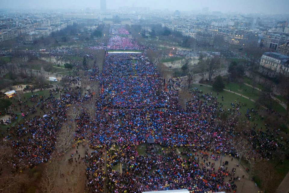 Paris_Rally-huge-crowd-2
