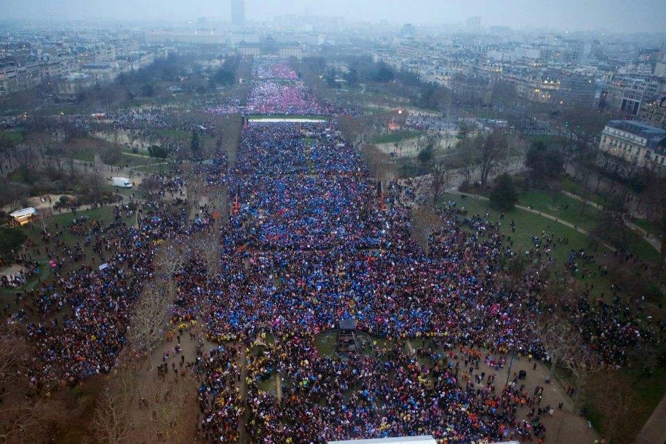Paris_Rally-huge-crowd-2