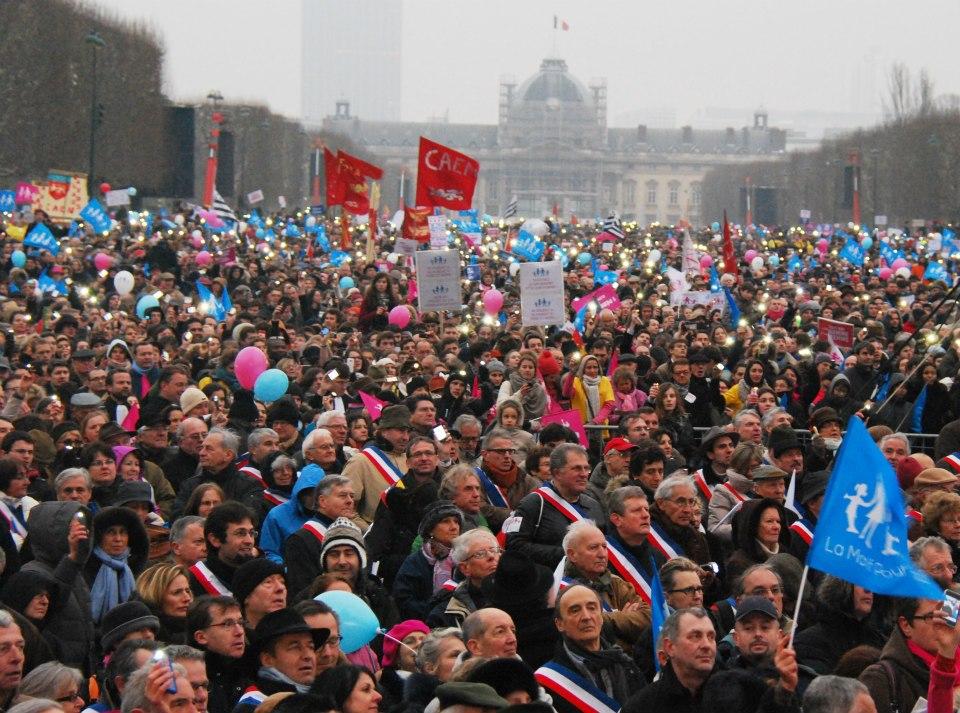 Paris_Rally_Against_SSM-2-closer-shot