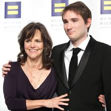 Sally_Field_son_HRC