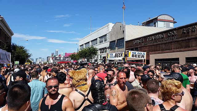 Dore-Alley-2014-crowd-resized