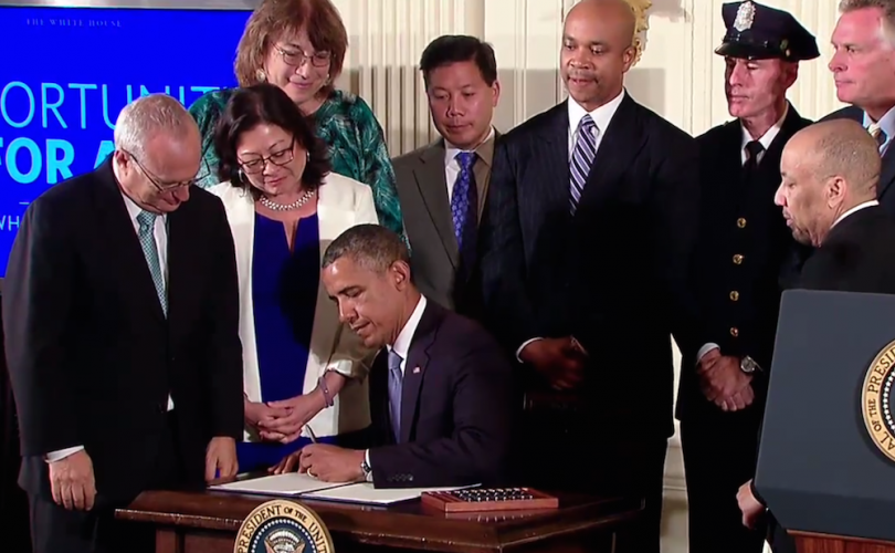 Obama_Executive_Order_Signing_Ceremony-2014